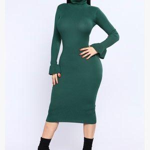 Get Comfortable Midi Dress- Hunter Green